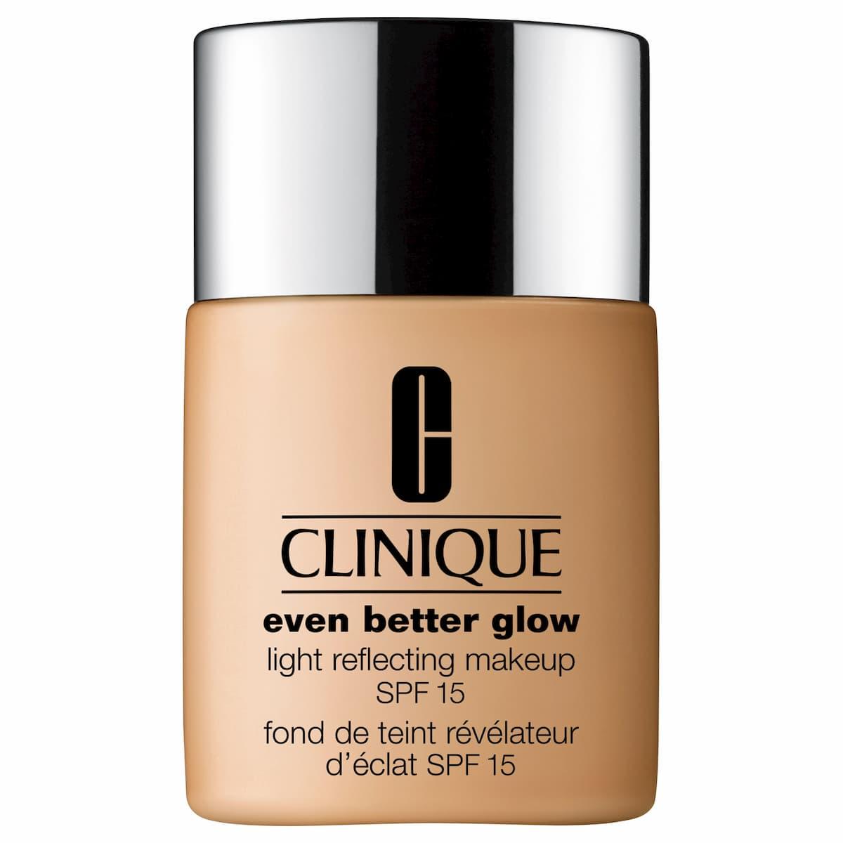 Clinique - Even Better Glow - Fond de Teint Révélateur d'Éclat SPF15